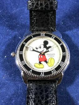 FANTASTIC FIND | Classic White Glove Mickey Mouse Watch | Ro