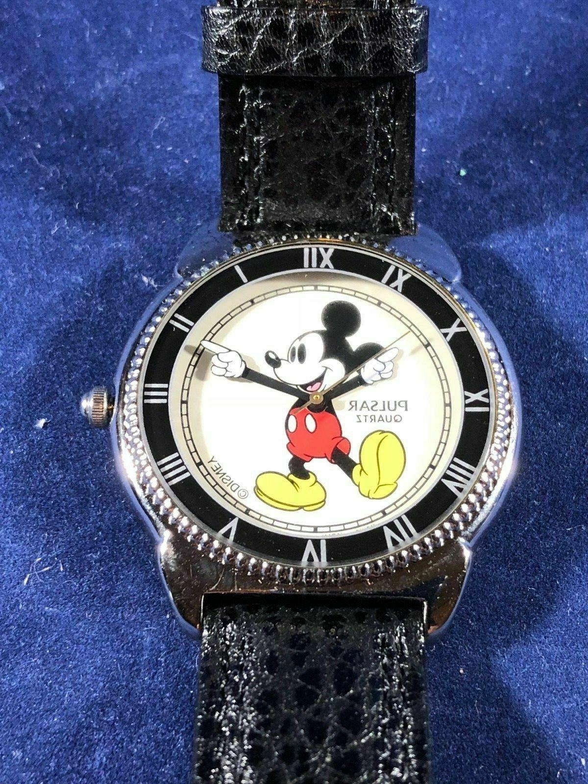 fantastic find classic white glove mickey mouse